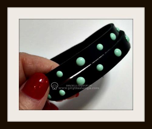 Fingernail bracelet