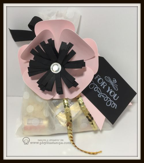 Flower gift bag with rhinestone